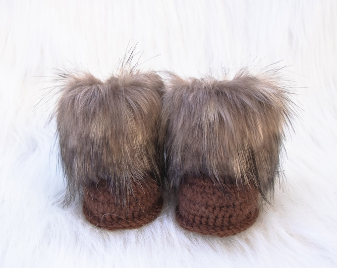 Brown Baby Booties, Fur baby booties, Crochet baby booties, Baby Ugg Boots, Unisex booties, Newborn boots, Baby winter boots, Infant Booties