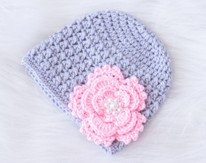 Crochet Newborn girl Flower beanie, Baby girl Hat, Newborn girl hat, Baby Girl Beanie, Baby girl gift, Gray and pink hat, Ready to ship