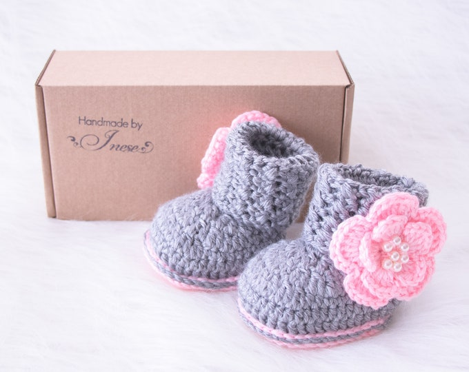 Crochet gray and pink baby girl flower booties, Infant shoes, Baby girl gift, Newborn girl boots, Preemie girl booties, Preemie to 24 months