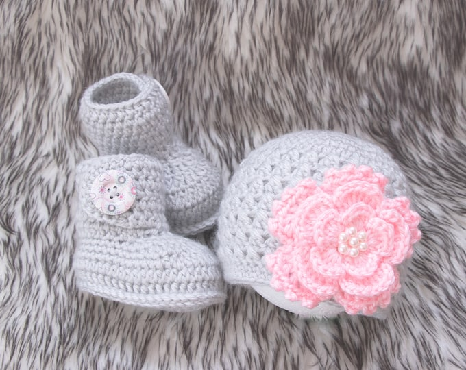 Pink and gray Baby girl flower hat and booties set, Crochet  Baby girl clothes, Baby girl gift, Baby girl booties, Baby girl Flower beanie