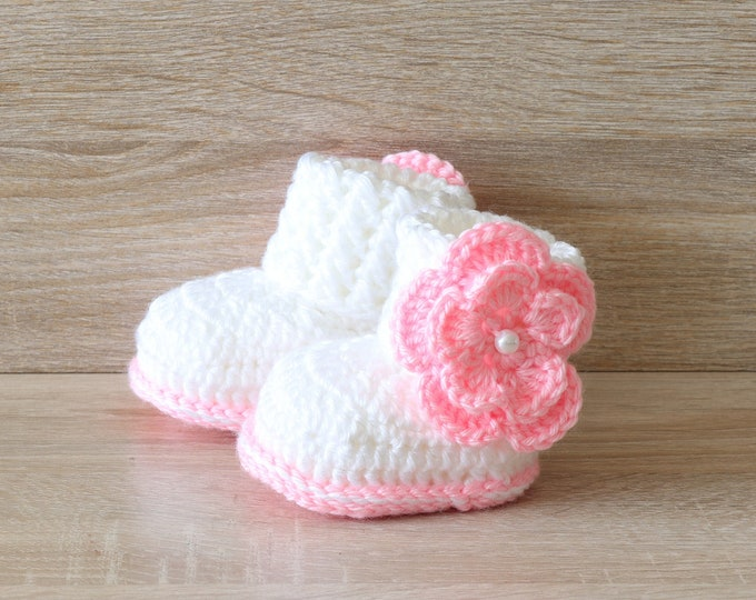 White and pink Baby girl Flower booties, Baby girl gift, Newborn girl booties, Crochet flower shoes, Preemie girl booties, Baby girl shoes