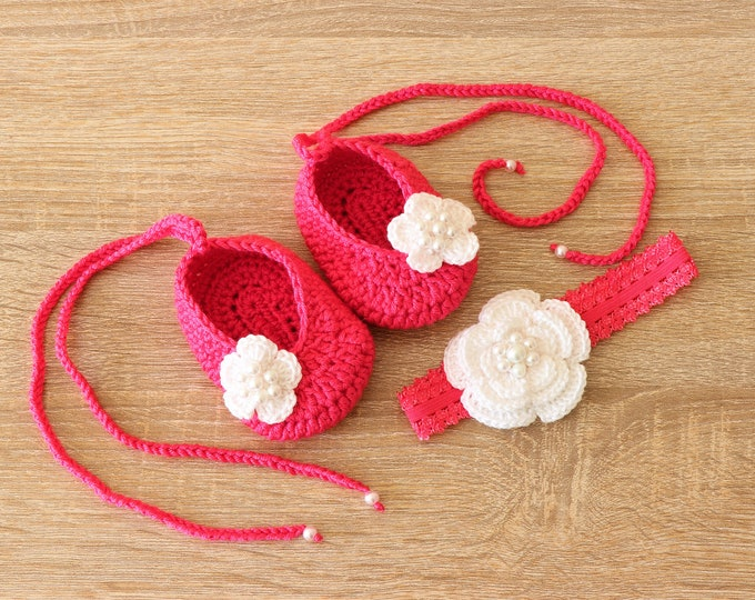 Baby girl shoes and headband set, Baby girl gift, Newborn girl shoes, Preemie headband, Baby girl Photo prop, Crochet preemie baby shoes