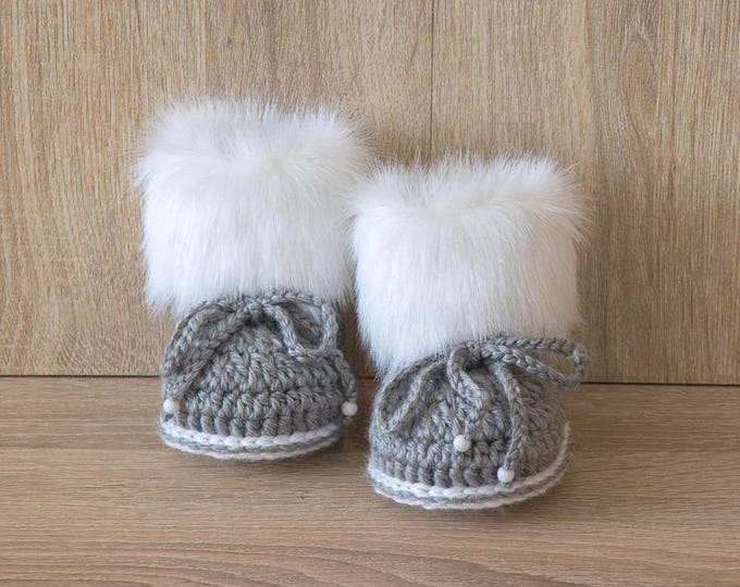 Gray and white fur baby boots - Fur Booties - Baby boy boots - Baby boy gift - Baby winter - Crochet Booties - Newborn shoes - Preemie baby
