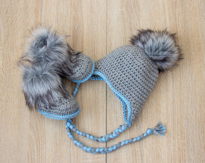 Gray and blue baby boy hat and boots - Crochet Baby Hat and Booties Set - Baby boy winter clothes - Hat with fur pom pom - Faux fur booties