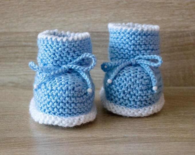 Hand Knitted Baby Boy booties - Blue booties - Knit baby boots - Baby boy gift - Newborn boy booties - Preemie booties - Stay-on booties