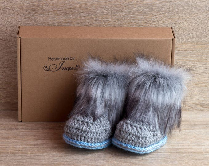 Gray and blue baby boots - Faux fur Booties - Newborn Booties - Preemie boy - Baby boy gift - Ugg style - Baby winter boots - Newborn shoes