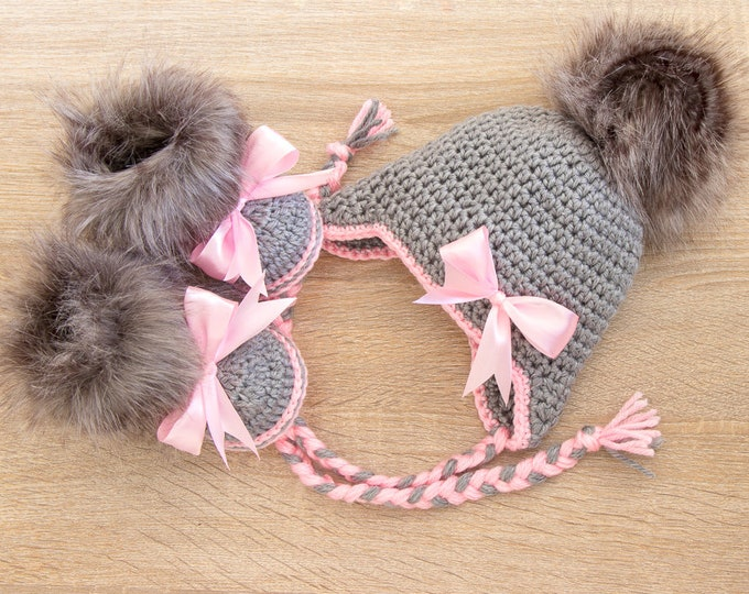 Baby girl fur hat and booties with bows - Gray and pink - Newborn Girl clothes - Baby winter clothes - Baby girl gift - Preemie girl clothes