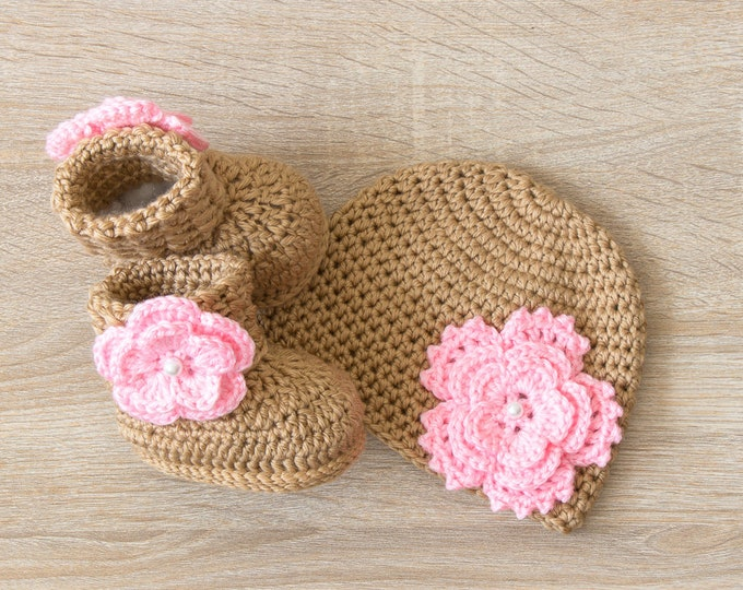 Baby Girl Flower Hat and Booties - Newborn Girl - Preemie girl - Crochet baby booties and hat - Baby Girl gift - Gold and pink baby clothes