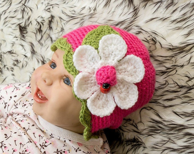 3-6 months Hot pink Baby Girl Flower Hat with a ladybug, Flower beanie, Crochet hat, Baby Girl Photo Prop, Baby Girl Beanie, Ready to ship