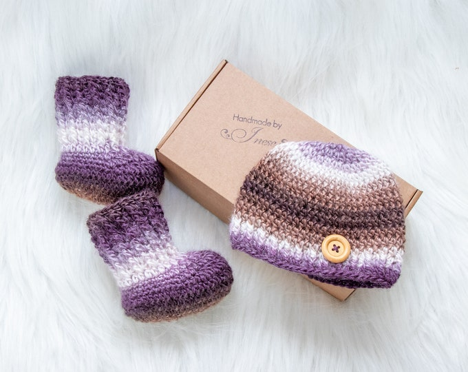 Newborn Hat and Booties, Neutral Baby socks and beanie, Crochet Baby Beanie and Booties, Gender Neutral Baby Clothes, Infant Hat and Socks
