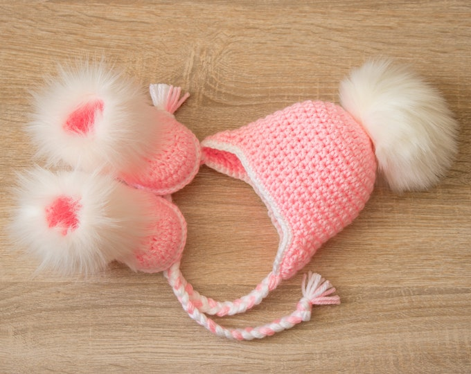 Baby girl fur pom pom hat and booties - Newborn girl clothes - Crochet baby clothes - baby girl clothes winter- Fur booties - Baby girl gift