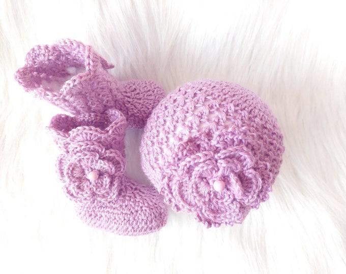 Baby Hat and Booties Set, Baby girl socks, Baby girl beanie, Newborn Girl gift, Crochet Beanie and Booties Set, Infant girl Hat and Socks