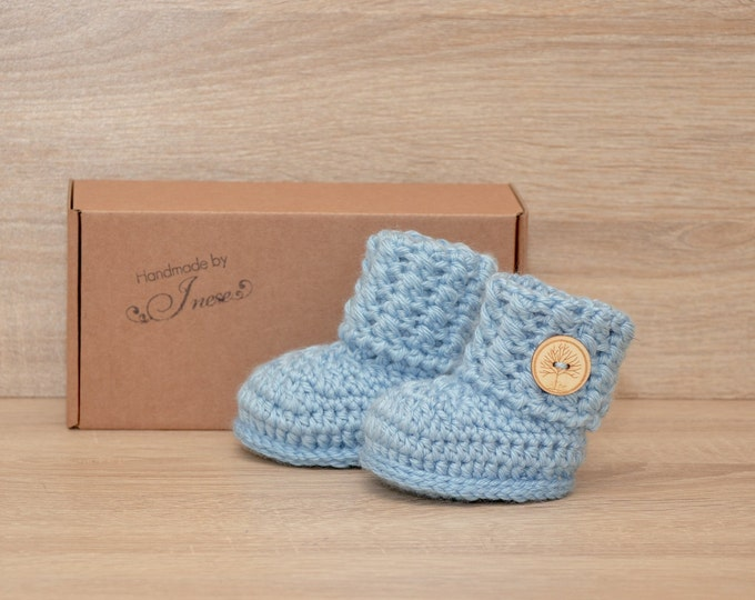 Baby boy booties - Crochet baby booties - Baby shoes - Preemie booties -  Baby ankle boots - Newborn boots - Newborn shoes - Baby boy gift