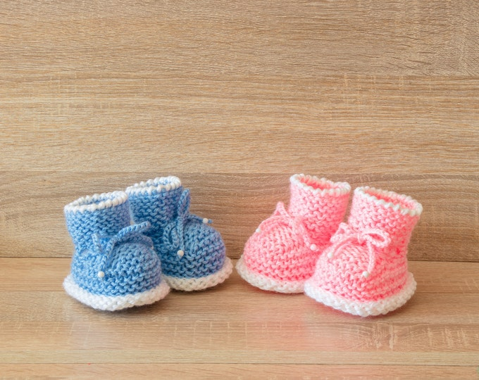 Knitted Booties - Boy and girl booties - Blue and pink - Twin baby booties - Twin Baby Gift - Hand knit booties - Gender reveal booties
