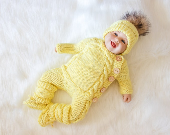 Yellow baby outfit, Baby home coming outfit, Gender neutral coming home outfit, Newborn take home outfit, Hand Knitted outfit, Baby gift