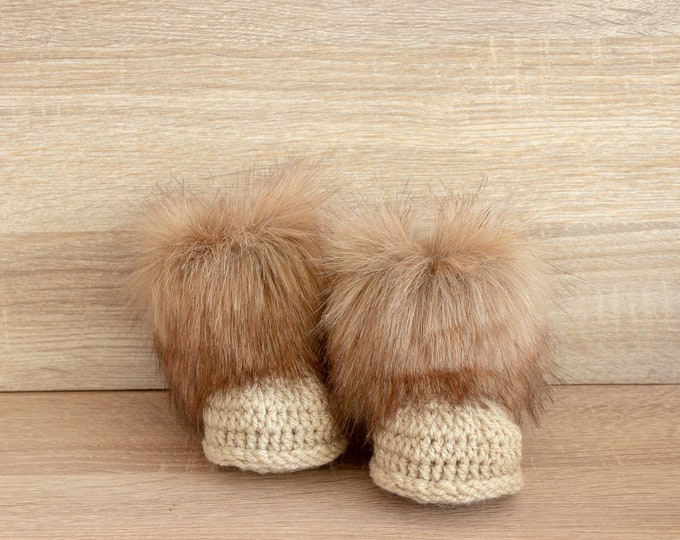 Gender neutral faux fur baby booties - Beige booties - Faux fur baby boots - Crochet booties - Crochet baby slippers - Baby winter boots