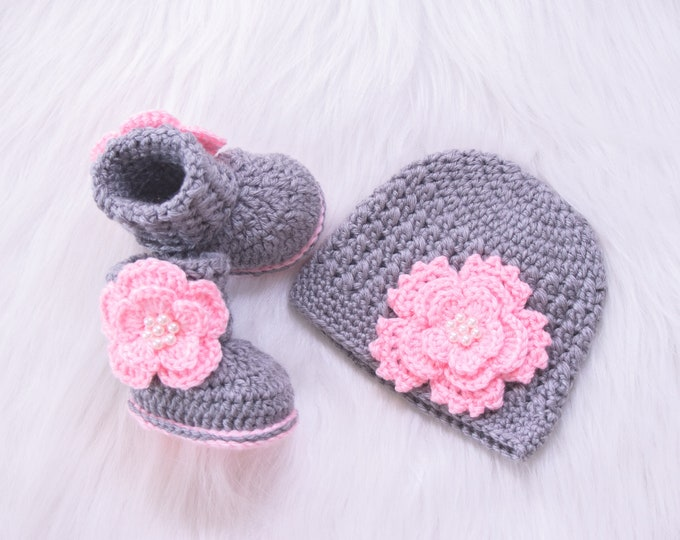 Gray and Pink Baby Girl Flower Hat and Booties, Newborn hat and booties, Preemie girl outfit, Crochet booties, Flower hat, Baby Girl gift