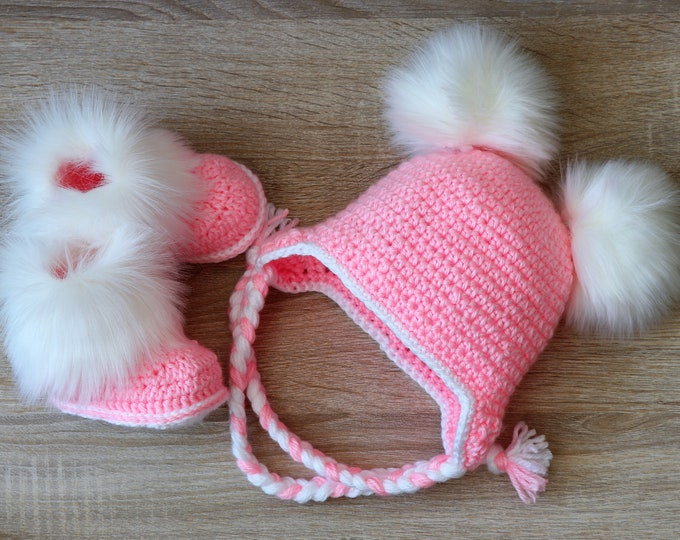 Double pom pom hat and boots - Pink Booties and hat set - Crochet baby clothes - Baby winter clothes- Fur booties- Baby girl hat and booties