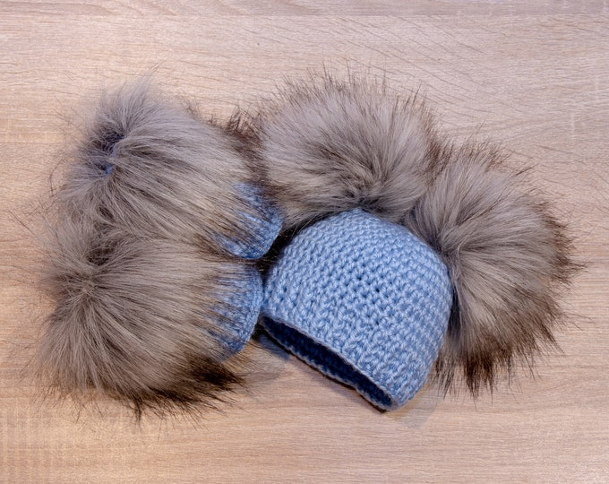Baby Boy Booties and hat set - Fur double pom hat and booties - Baby boy clothes - Crochet baby set - Newborn winter clothes - Fur booties