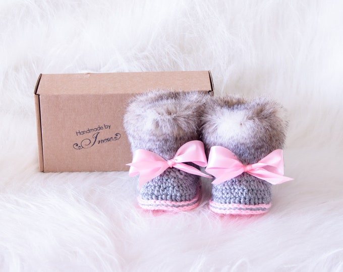 Pink and gray Baby girl booties, Crochet booties, Baby girl gift, Preemie girl Fur Booties, Newborn girl shoes, Ugg style, Baby shower gift