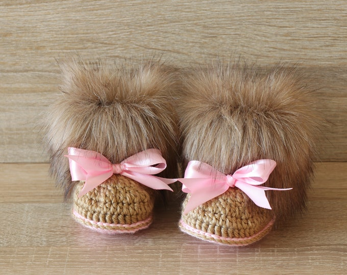 Baby girl Faux fur Booties - Crochet booties - Newborn winter Boots - Baby slippers - Baby Uggs - Baby girl gift - Baby girl shoes - Preemie
