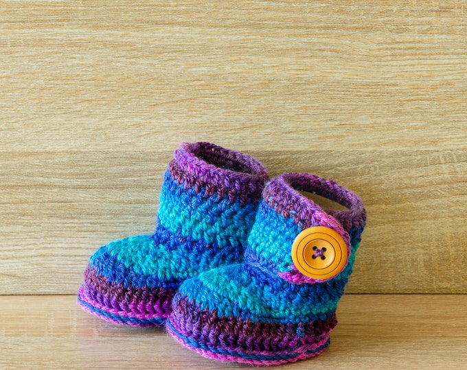 Crochet Baby Booties - Newborn booties - Infant booties - Boy or girl shoes - Baby boy booties - Baby shower gift- Baby shoes- Ready to ship
