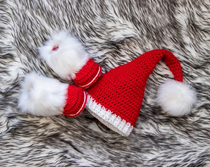 Baby First Christmas Outfit, Christmas Elf hat and booties, Red and white baby set, Pom pom Hat, Fur Booties, Newborn Elf hat, Stocking hat