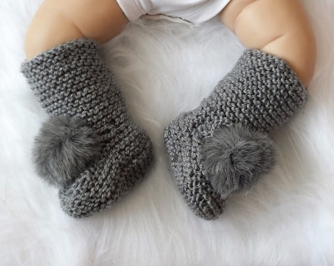 Pom pom Booties, Pom pom socks, Knitted booties, Gray Baby boots, Preemie baby booties, Hand Knit boots, Gender Neutral booties, Baby socks