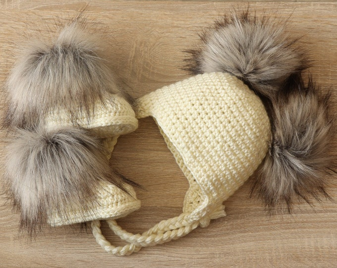 Double pom hat and booties - Cream Booties and hat set - Crochet baby clothes - Newborn winter clothes - Fur booties - Gender neutral baby