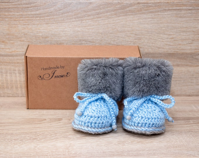 Baby boy booties - Gray and blue booties - Faux Fur Booties - Baby winter Boots - Newborn boy Boots - Crochet Baby Boots - Preemie boy shoes