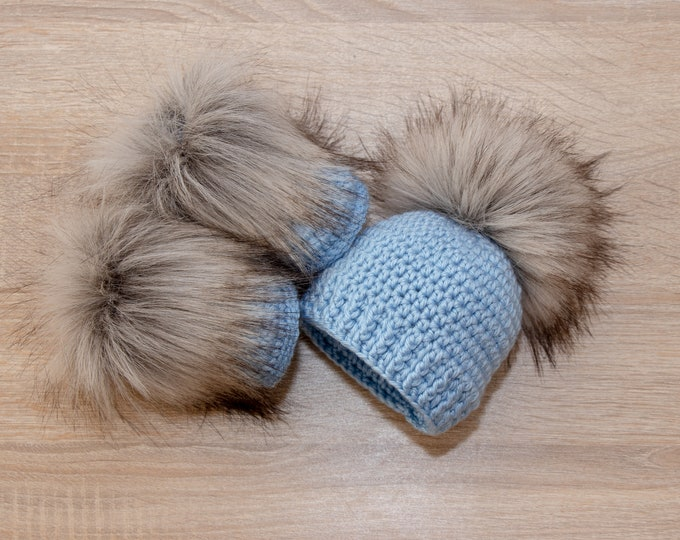 Baby boy Booties and hat - Crochet Baby boy Set - Baby boy gift - Preemie boy clothes - Fur pom hat - Fur booties - Newborn boy clothes