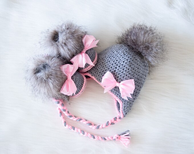 Baby girl Hat and Booties set, Hat and boots with bows, Baby Girl clothes, Newborn girl clothes, Baby girl gift, Preemie girl clothes