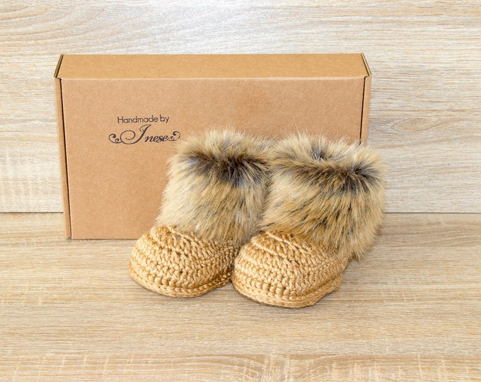 Crochet fur baby boots - Infant Boots - Gender Neutral booties - Gold baby shoes - Baby Uggs - Infant shoes - Preemie booties - Baby gift