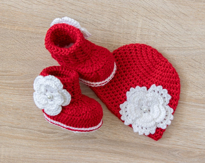 Baby Flower Hat and Booties - Red and white baby hat and boots - Newborn Girl - Preemie girl - Crochet baby girl clothes - Baby Girl gift