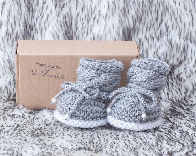 Hand knit Baby booties, Gray Baby booties, Knitted baby booties, Newborn shoes, Infant booties, Gender neutral booties, Baby shower gift