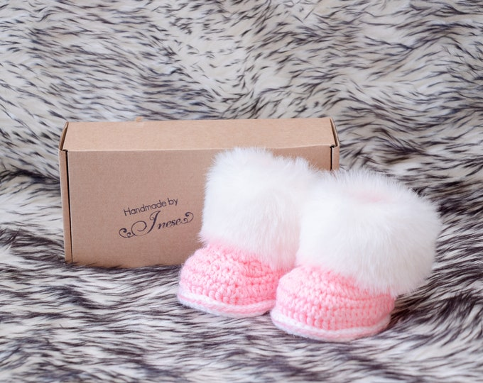Pink and white Baby girl booties, Preemie girl clothes, Fur Baby Boots, Crochet booties, Baby girl shoes, Baby shower gift, Newborn shoes