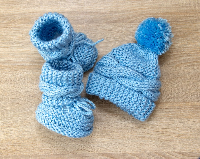 Baby boy Booties and hat - Cable Knit Hat - Cable knit Booties - Baby Hat and Boots- Baby hand knitted set- Baby winter clothes- Newborn boy