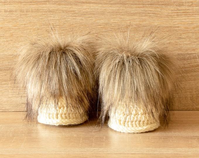 Unisex baby booties, Crochet faux fur booties, Faux fur boots, Beige booties, Gender neutral boots, Crochet baby slippers, Baby winter boots
