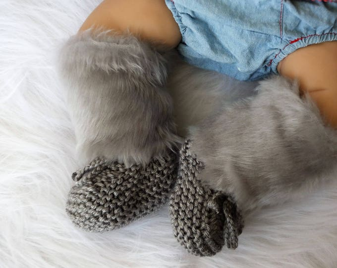 Fur socks - Knitted baby socks - Leg warmers - Gray baby booties - Knitted boots - Baby shoes - Gender Neutral - Newborn socks - Baby boots