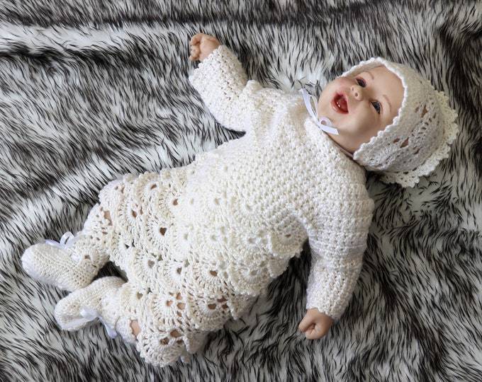 Crochet baby girl outfit - Christening set - Vintage style baby clothes - Newborn girl outfit - Baby layette - Natural white - Ready to ship