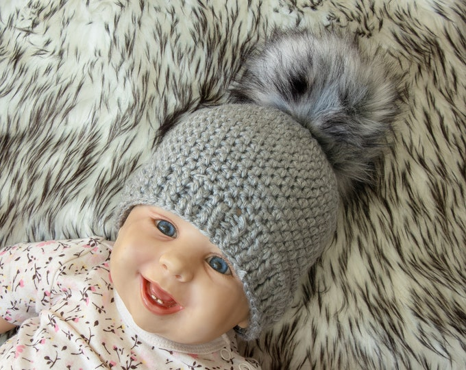 Crochet beanie with fur pom pom - Gray Baby hat - Crochet baby hat - Newborn hat - Faux fur pom pom hat - Baby winter hat - Baby beanie