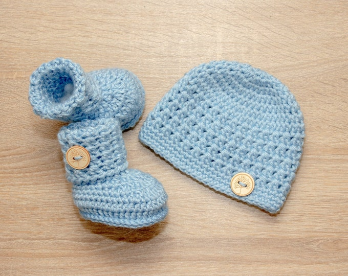 Baby boy hat and booties - Hat and booties set - Crochet baby clothes - Baby gift set - Baby Boy clothes - Newborn boy set - Baby boy gift