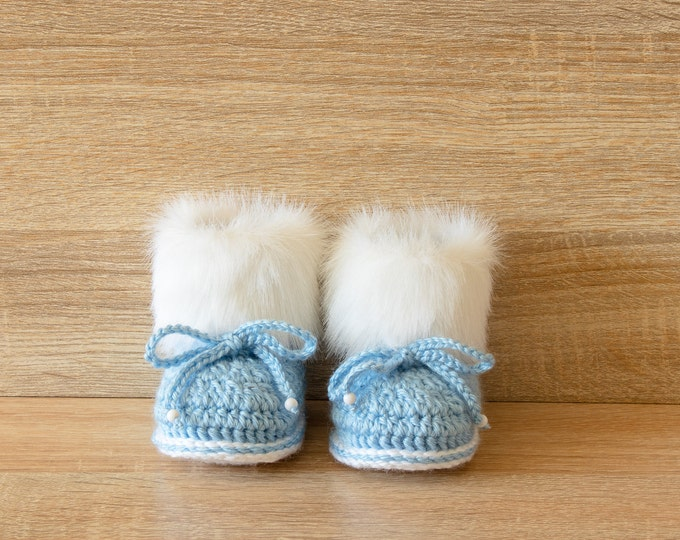 Baby boy booties - Faux fur  booties - Blue baby booties - Baby shoes - Baby slippers - Baby boots - Baby winter Boots - Crochet Baby Boots
