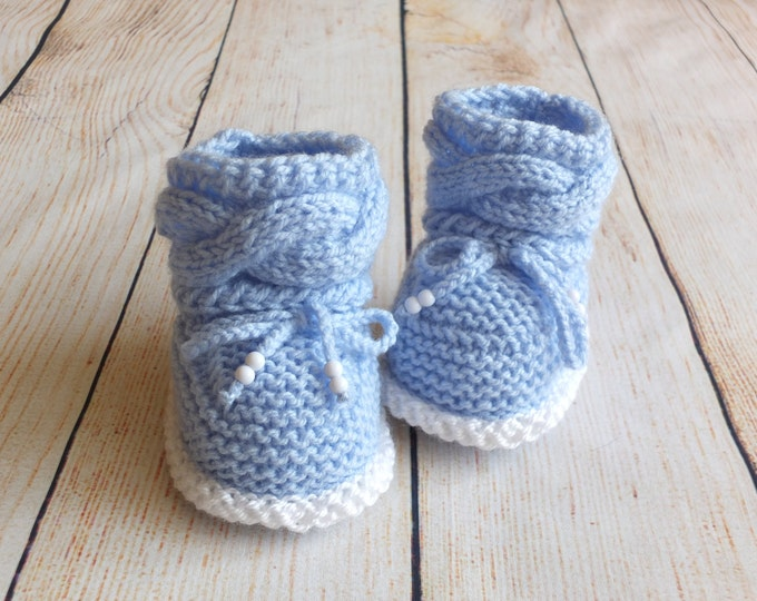 Hand knit Baby boy booties - Knitted baby booties - Baby booties - Newborn boots - Blue Baby booties - Newborn shoes - Cable knit booties