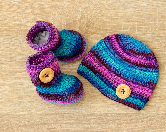 Ready to ship - Baby boy Hat and booties set - Newborn hat and booties - Crochet baby hat - Crochet baby booties - Crochet baby boy clothes