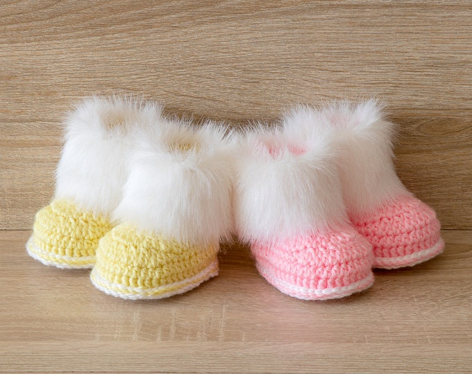 Twins set - Booties for twins - Crochet baby booties- Newborn boots- Boy and girl twin gifts - Preemie twins shoes- Twin Shoes- Fur booties