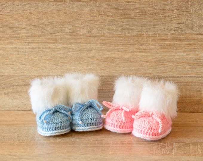 Booties for twins, Gender reveal booties, Twin baby shoes, Faux fur booties, Boy and Girl twin boots, Twin baby shower gift, Pink and blue