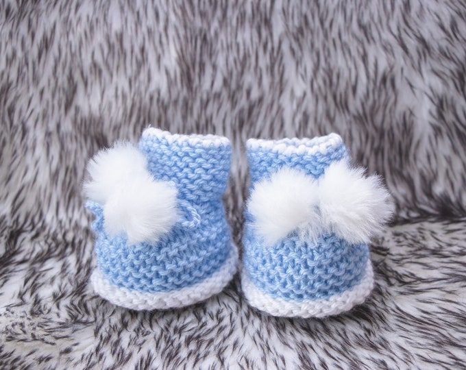 Knitted Pom pom booties, Baby boy booties, Baby booties, Hand knit booties, Baby boy shoes, Infant booties, Newborn booties, Preemie boots