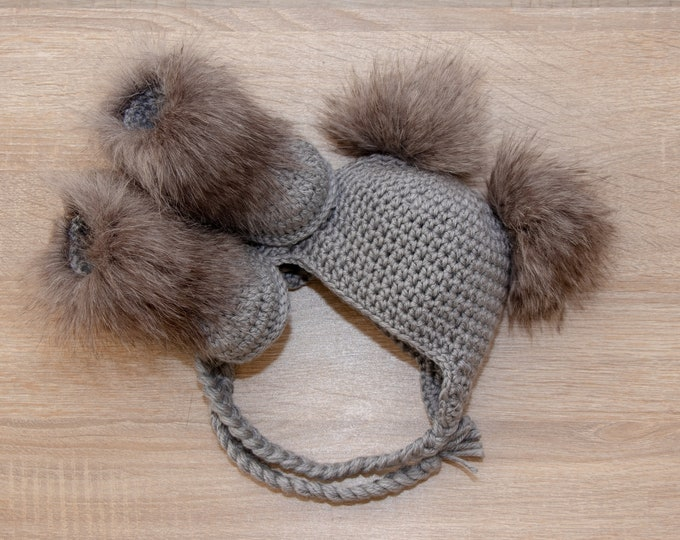 Gray Booties and hat set - Double pom pom hat and boots - Crochet baby clothes - Newborn winter clothes - Fur booties - Gender neutral baby