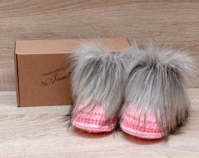 Baby girl boots - Faux fur booties - Crochet baby Booties - Baby girl shoes - Baby shower gift - Newborn shoes - Pink booties - Preemie girl